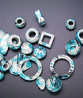 Пластмасови мъниста 10-45 mm